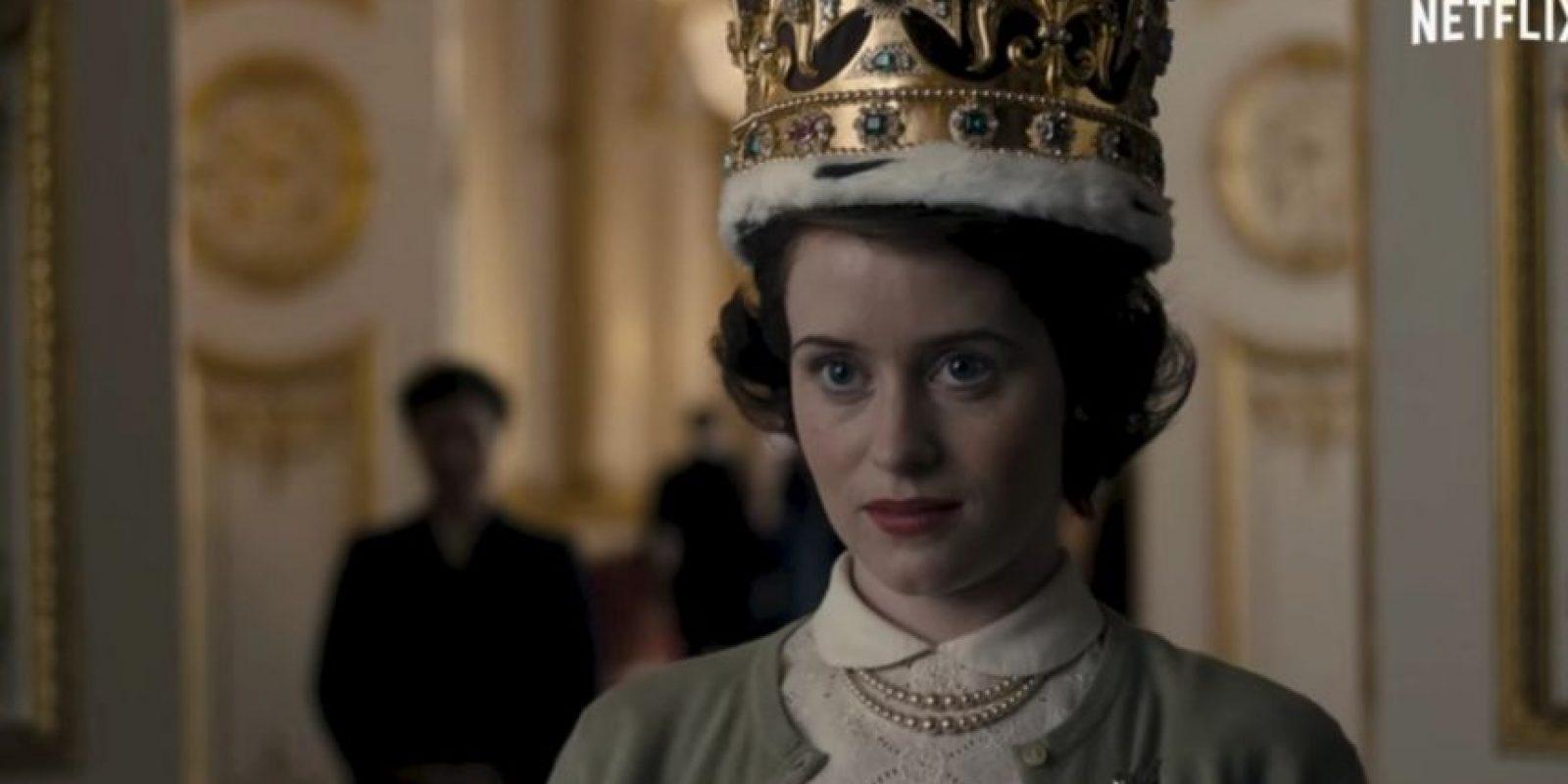 Esta historia narra las rivalidades políticas y el romance detrás del reinado de la reina Isabel II y de los sucesos que moldearon la segunda mitad del siglo XX. Foto:Netflix