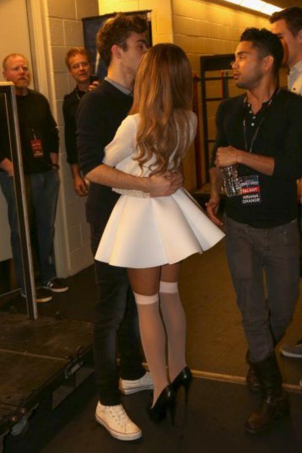 Tiernos momentos entre Ariana Grande y Nathan Sykes Foto:Getty Images