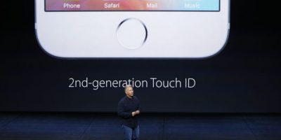 De acuerdo con comentarios en foros de Apple y plataformas como Reddit, quienes tienen los recientes modelos del famoso teléfono inteligente comentan que el inconveniente sucede inclusive si tiene el 100% de batería. Foto:Getty Images