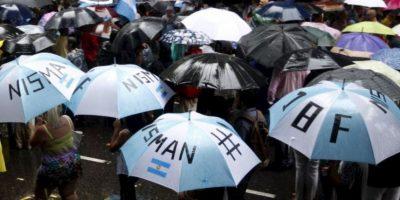 Otra de las disputas que sigue generando polémica es si se cambió de lugar del arma. Foto:AFP