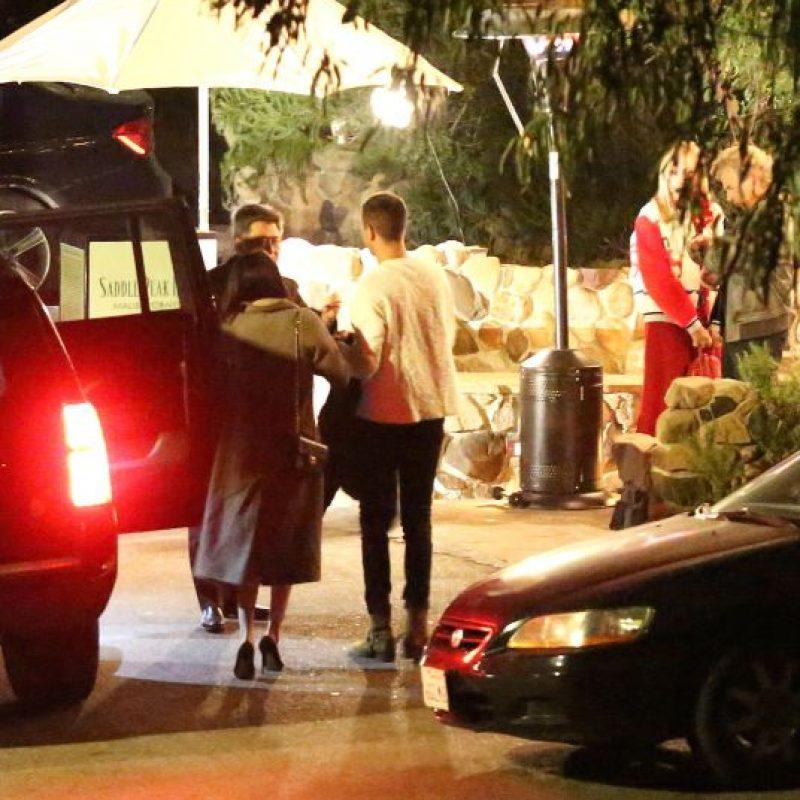 Selena Gómez fue captada junto a un chico misterioso en Malibú Foto:Grosby Group