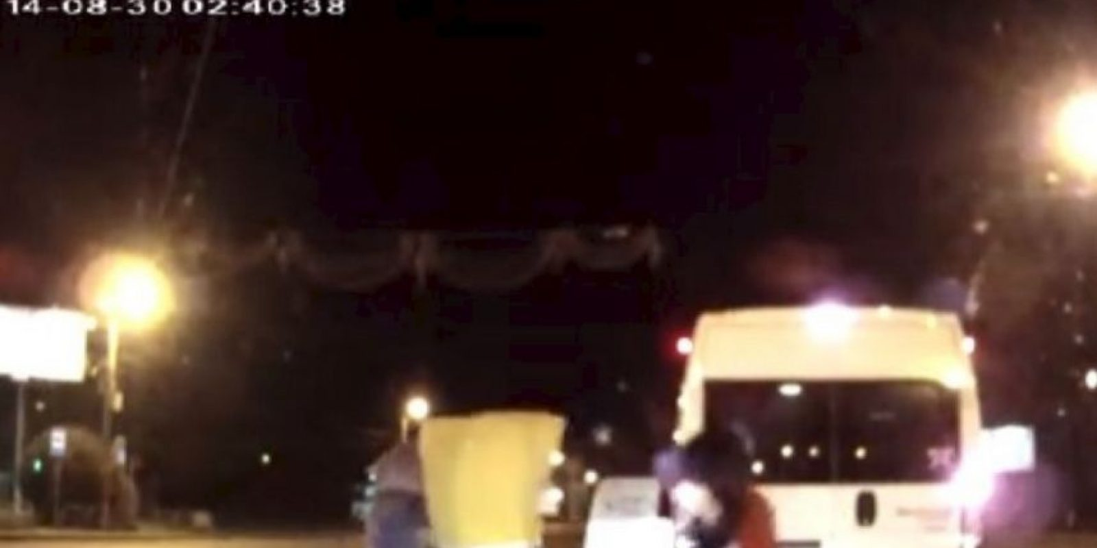 """""""Mickey Mouse, Bob Esponja y sus amigos contra un automovilista"""". Sucedió en septiembre de 2014 en la ciudad rusa de Chelabinsk Foto:YouTube-Archivo"""