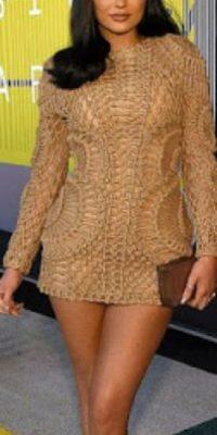 En el caso de Kylie Jenner el cuerpo se ve forrado y grueso. Foto:vía Getty Images