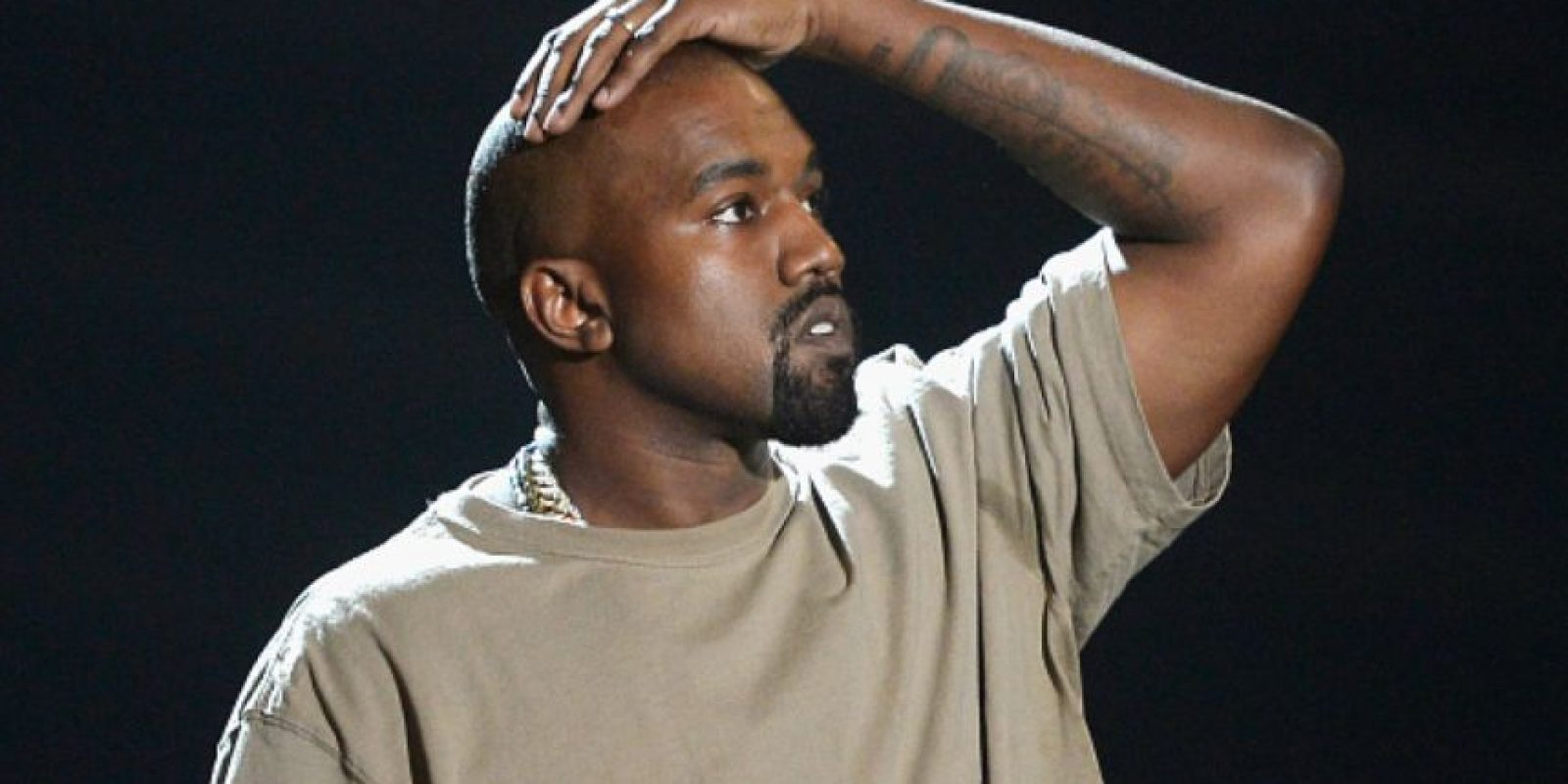 A Kanye West tuvieron que reconstruirle la mandíbula luego de un accidente de tráfico en 2002. Foto:vía Getty Images