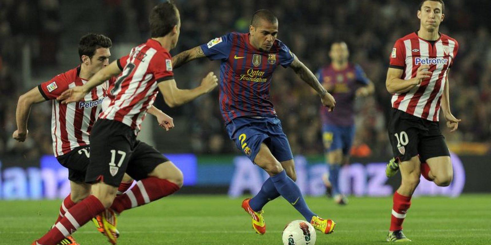 Dani Alves en un partido entre Barcelona y Athletic de Bilbao. Foto:AFP