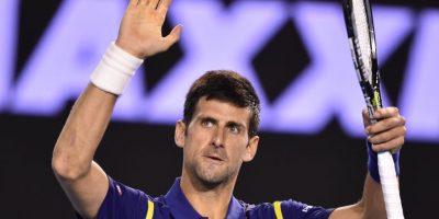 Tras finalizado un partido Djokovic saluda al público. Foto:AFP