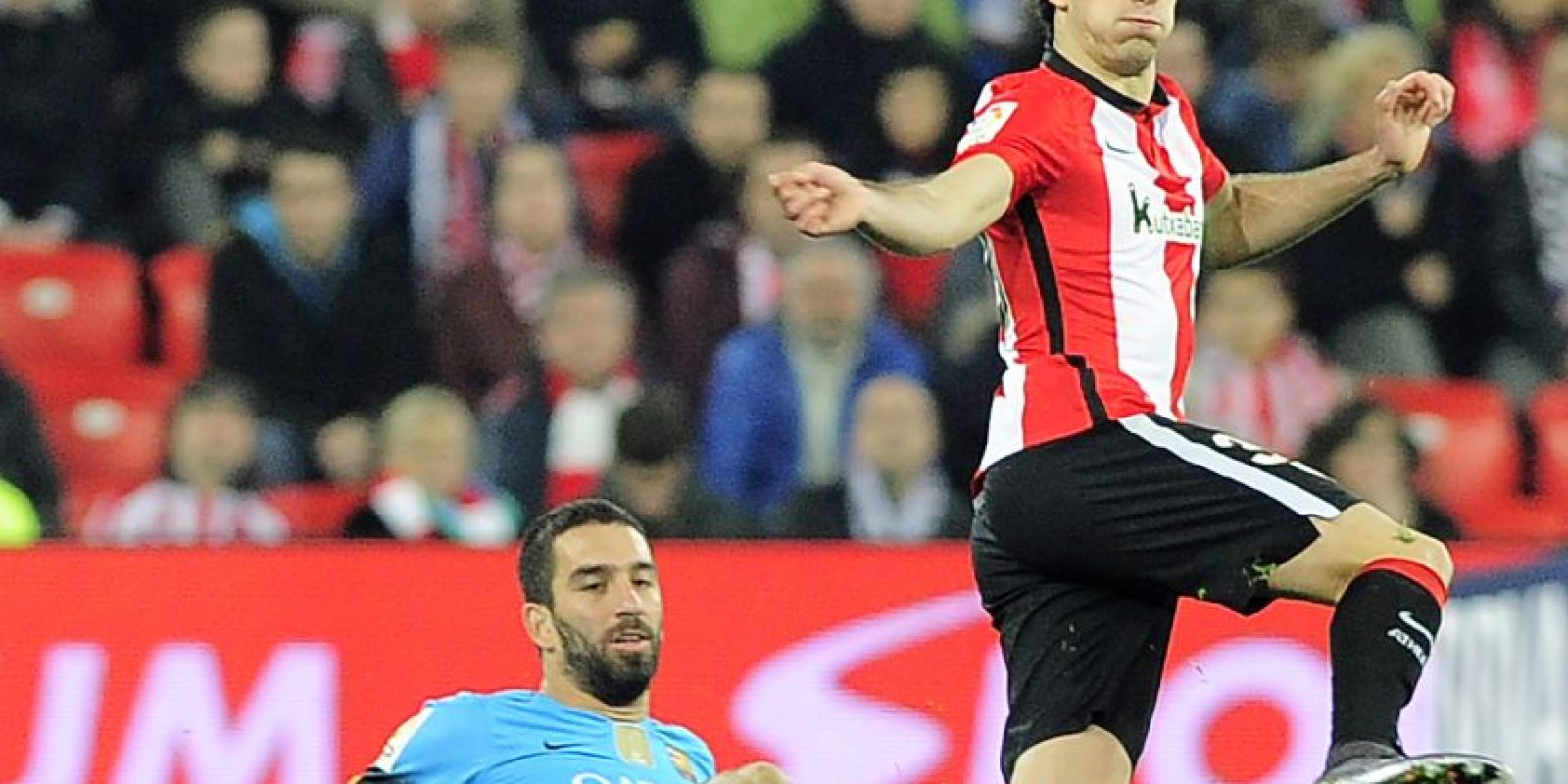 El jugador Aris Aduriz marcó el tanto del descuento para el Athletic de Bilbao. Foto:AFP
