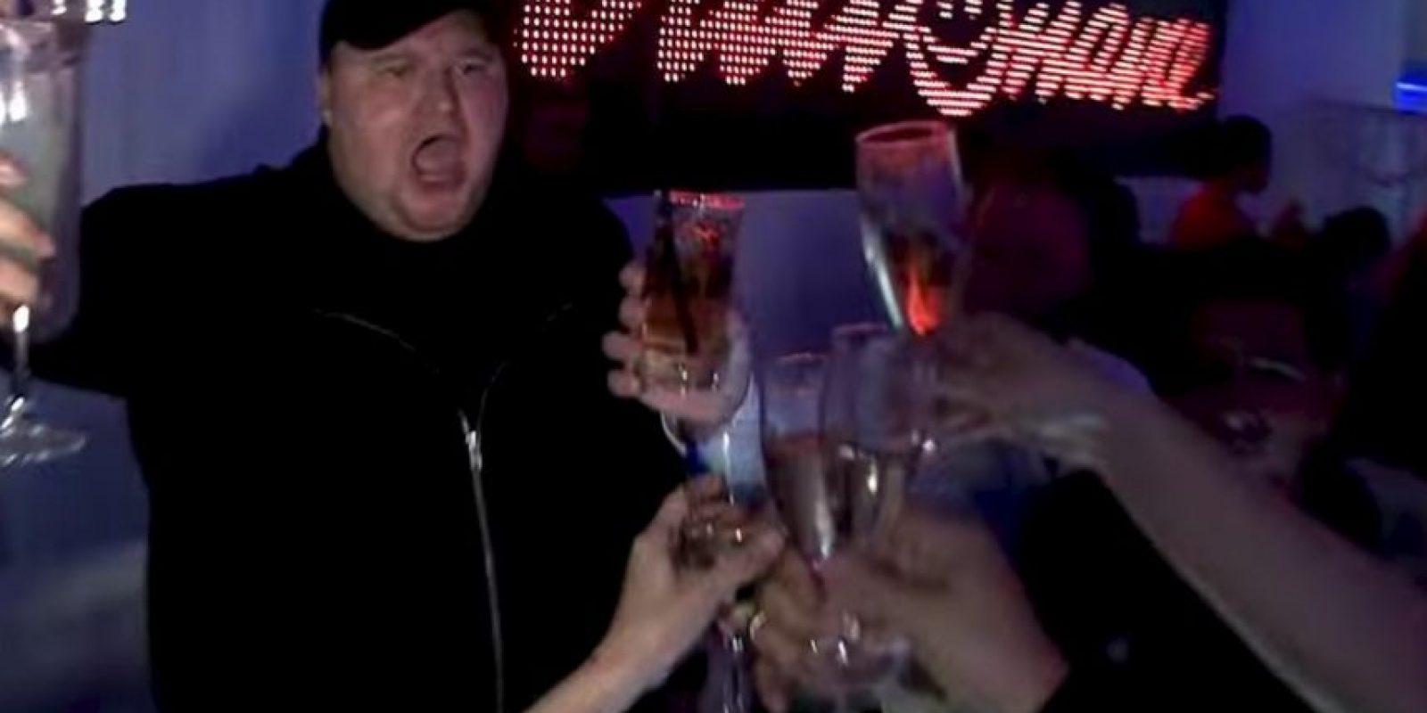 Las fiestas nunca faltaban. Foto:MrKimDotcom / YouTube