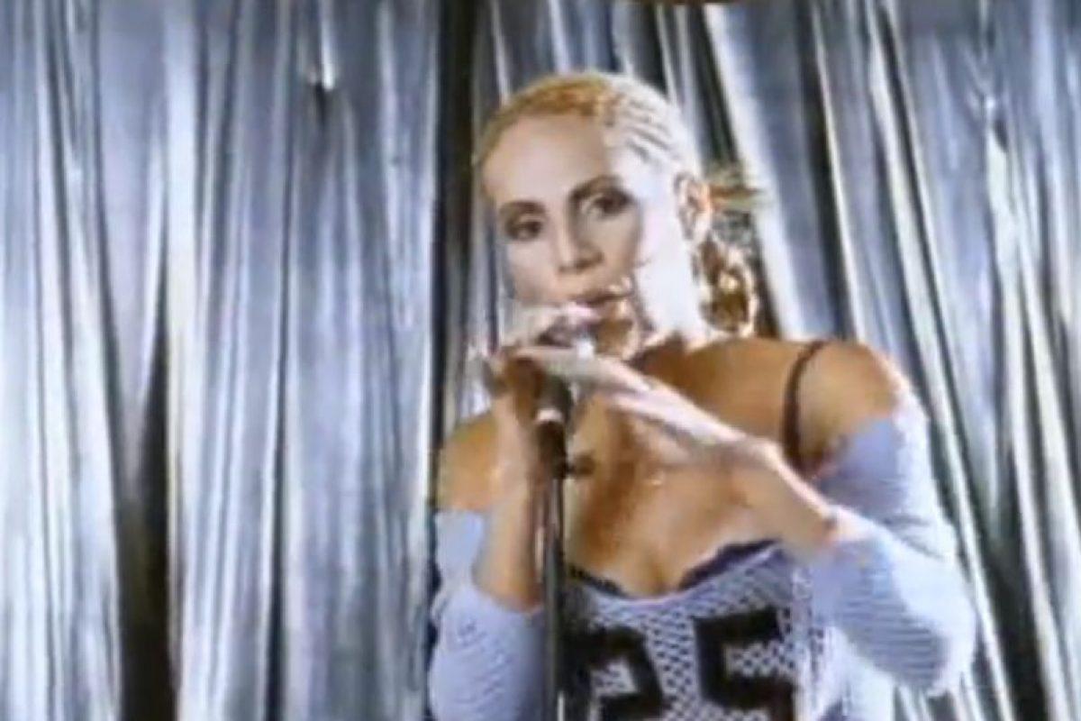 """En 2003 lanzó su disco """"Diva"""", que la consagró internacionalmente. Foto:vía Youtube"""