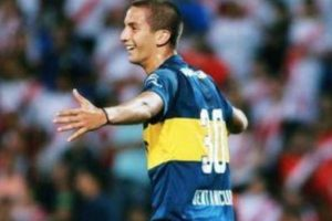 "El periódico español ""Marca"" asegura que el uruguayo de Boca Juniors llegará al Real Madrid Foto:Boca Juniors"