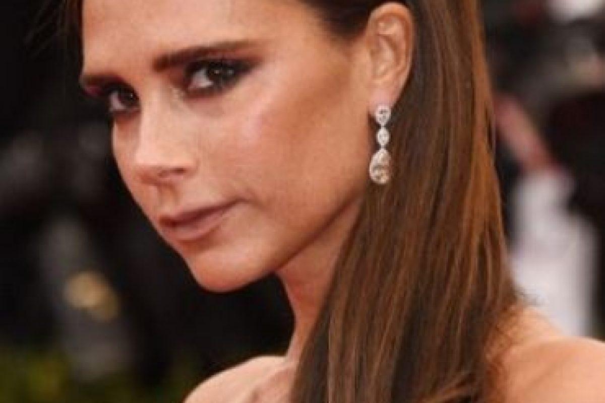 """Victoria Beckham. La exintegrante de Spice Girls es fiel al """"Facial de Geisha"""". Foto:Getty Images"""