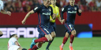 Fernando Torres en un partido ante el Sevilla. Foto:AFP
