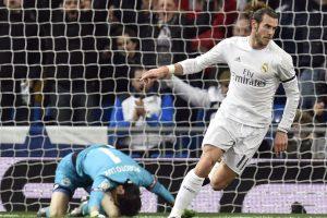 Gareth Bale corre a festejar tras un gol. Foto:AFP