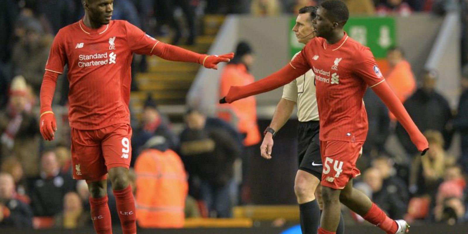 Jugadores de los Reds se felicitan Foto:AFP