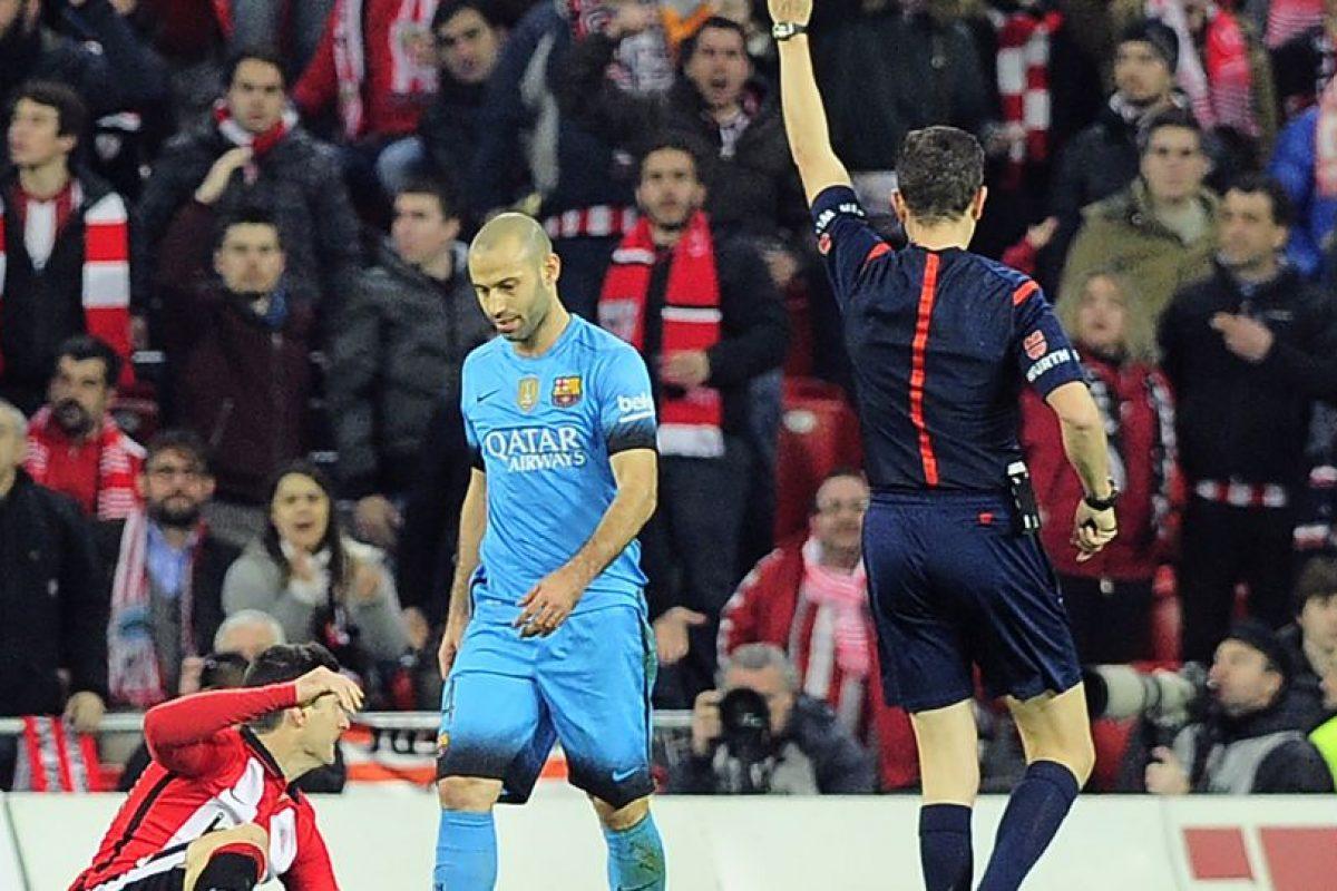 El argentino recibe una tarjeta amarlla. Foto:AFP