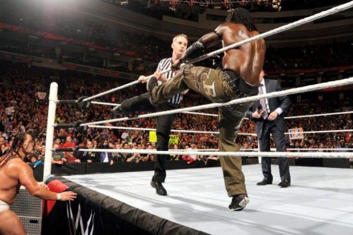 Es luchador profesional desde 1999 Foto:WWE