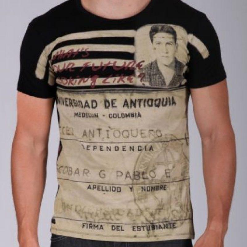 Sus jeans y camisetas van desde los 95 hasta los 140 dólares. Foto:vía Escobar Henao