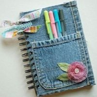 ¿No te queda el pantalón que te gustaba? Usa la tela para forrar un cuaderno Foto:Pinterest.com