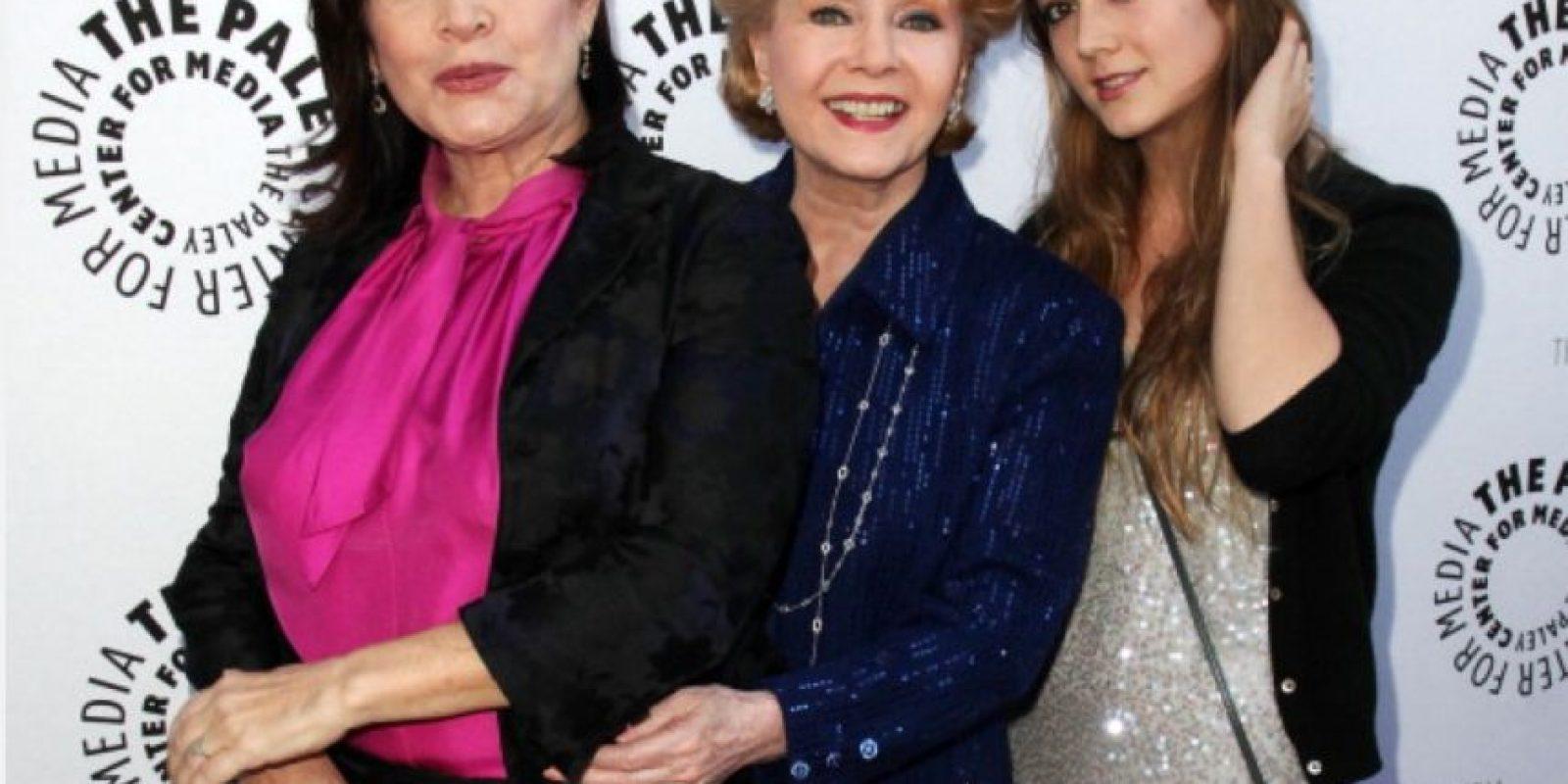 Es nieta de Debbie Reynolds, actriz legendaria de Hollywood, exesposa de Eddie Fisher, quien la dejó por Elizabeth Taylor. Foto:vía Getty Images