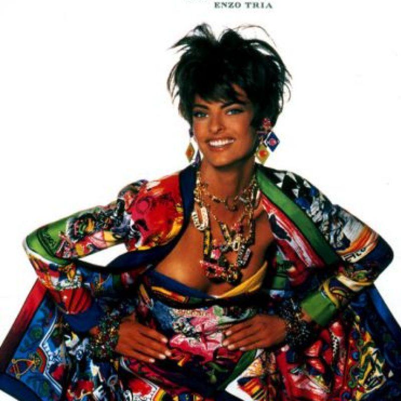 Este estilo de exceso fue popular en los 90 con marcas como Versace. Foto:vía Versace