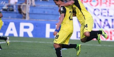 Joel Benítez celebra un gol con Comunicaciones Foto:Publinews