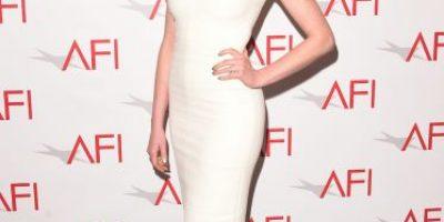 Filtran nuevas fotos de Anne Hathaway en su embarazo