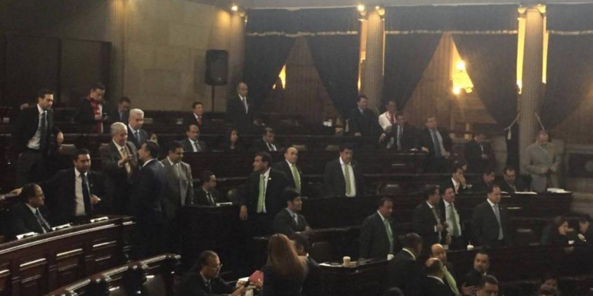 Bancada oficial se queda sin poder en comisión