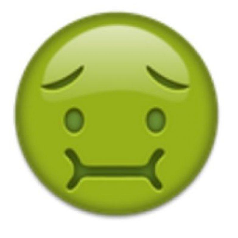Cara de náuseas. Foto:vía emojipedia.org