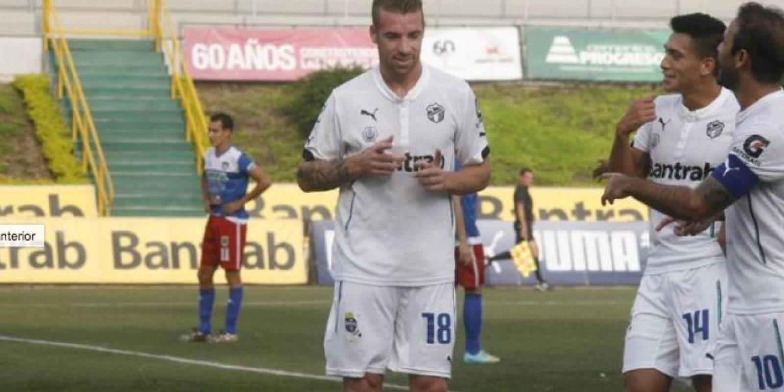 Emiliano López es pieza clave de los albos. Foto:Publinews