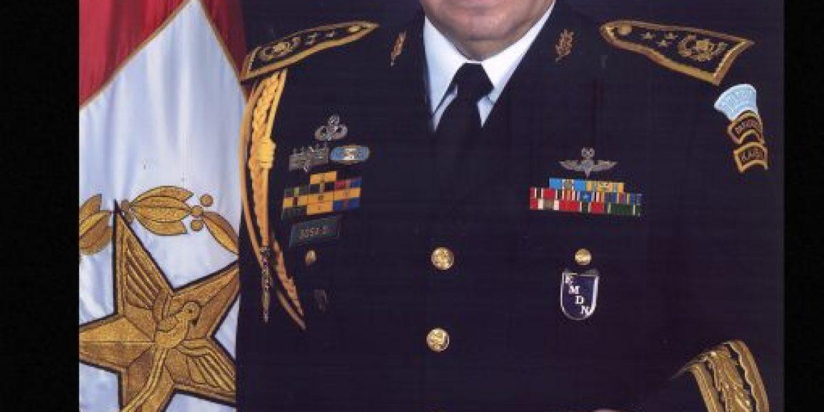 Presidente releva al general Alfredo Sosa del Estado Mayor de la Defensa