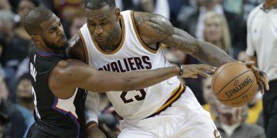 LeBron James es uno de los elementos más importantes de la NBA. Foto:AP