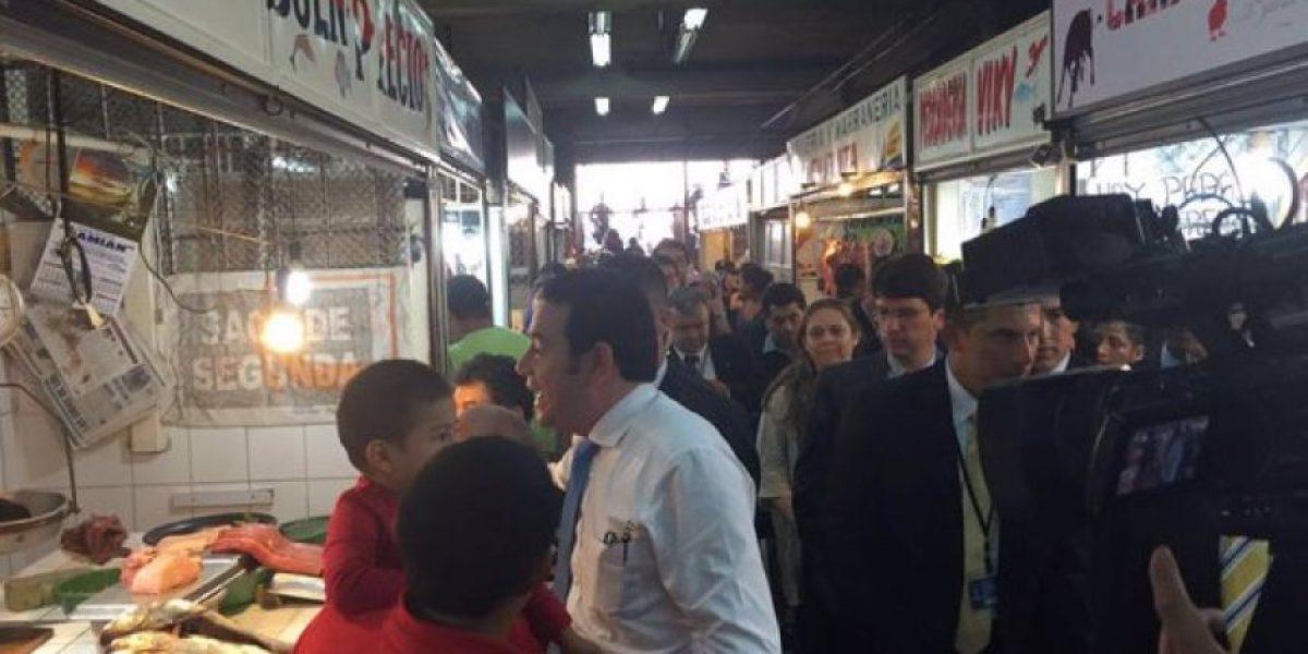 Jimmy Morales visitó el Mercado Central para verificar precios