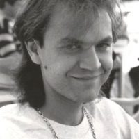 Comenzó con Héroes del Silencio desde su incicio en 1984 y hasta 2007 Foto:Vía hheroesdelsilencio.es