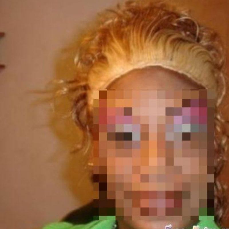 """Y más complicado si son colores que no están en la paleta """"natural"""" de los tonos de pelo. Foto:vía HairFails.com"""
