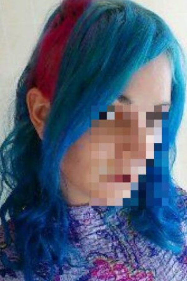 2. En serio, hay que decolorar mucho el pelo: pueden comenzar intentando con un tono más acorde a su color de pelo actual. Pero no pretendan lograr cambios de la noche a la mañana. Si quieren el pelo de Bulma y lo tienen como el de Gokú tiene que haber todo un proceso. Si lo decoloran mucho se puede quebrar. Foto:vía HairFails.com