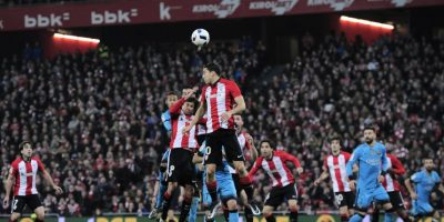 El partido de ida se disputó con gran ritmo. Foto:AP