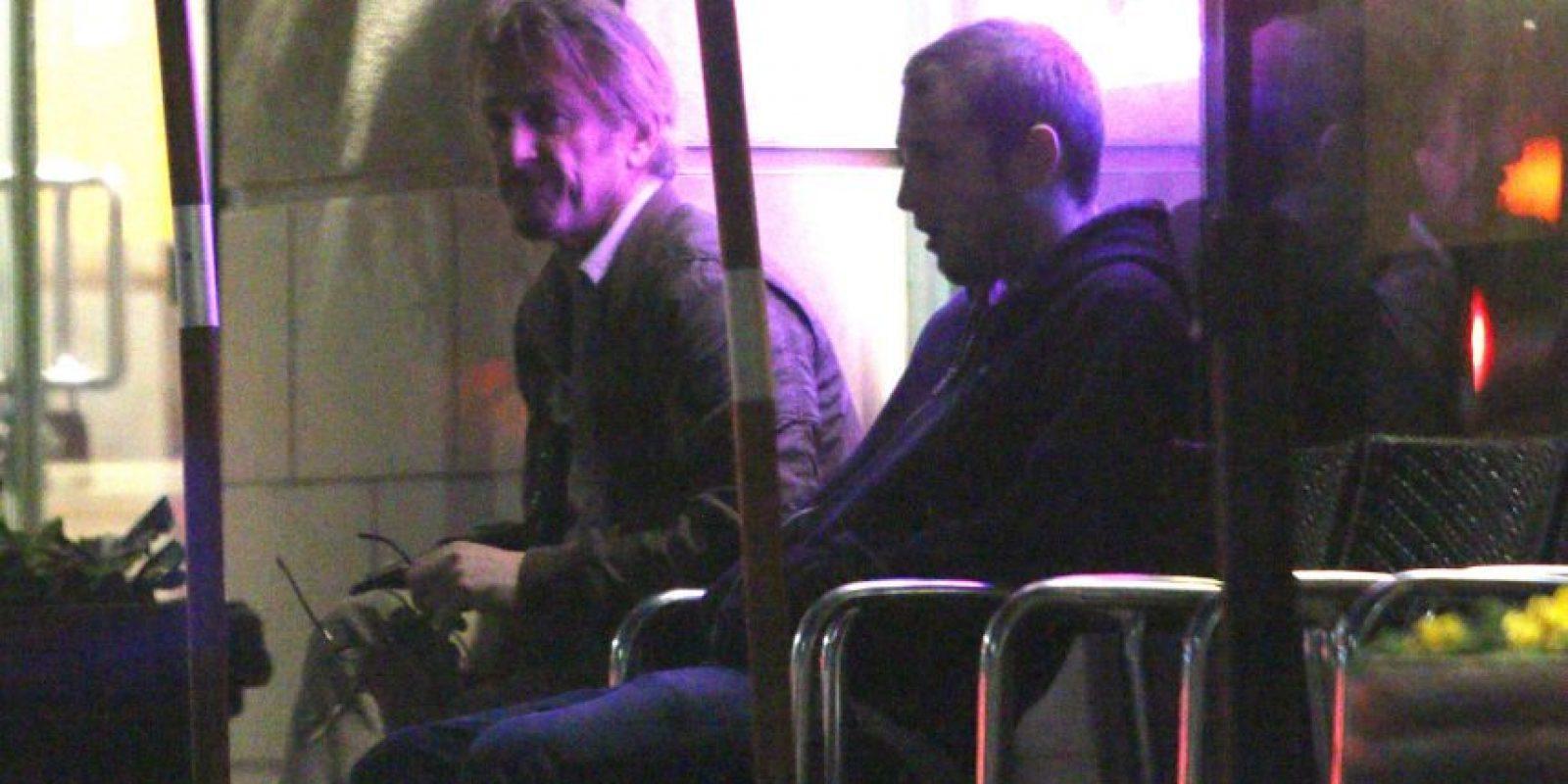 El actor se distrae con su hijo Foto:Grosby Group