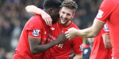 Adam Lallana celebra uno de los tantos del Liverpool. Foto:AFP