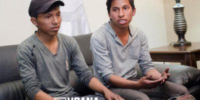 Tras viral historia de superación, estos dos jóvenes lustradores reciben