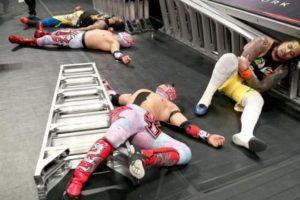 The Lucha Dragons también buscaban los cinturones. Foto:WWE
