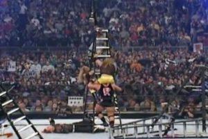 Las dos parejas dieron una cátedra de lucha extrema y aérea. Foto:WWE