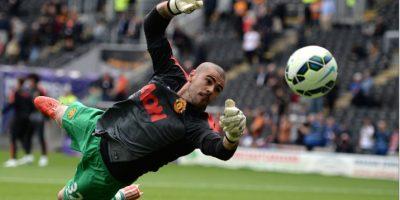 Víctor Valdés cerró su capítulo con el United e irá a Bélgica