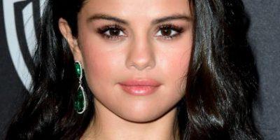 "Selena Gómez se muestra ""cariñosa"" con atractiva modelo"