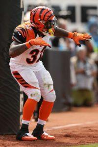 """El corredor de Cincinnati Bengals, Jeremy Hill, también hizo algunos pasos de """"dabbing"""" Foto:Getty Images"""