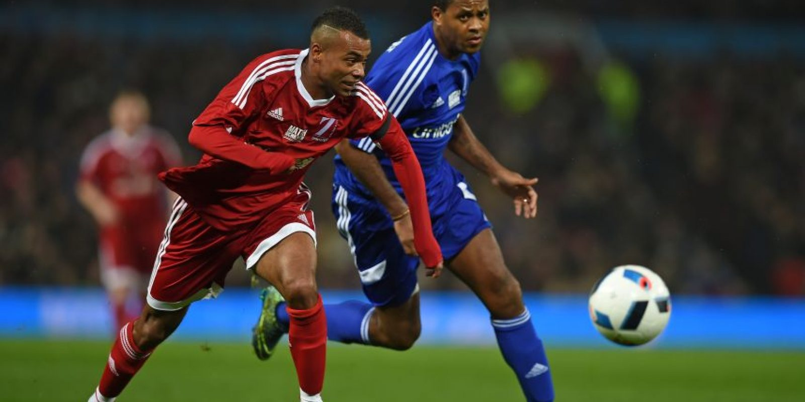 Ashley Cole en un partido en contra del Chelsea. Foto: AFP