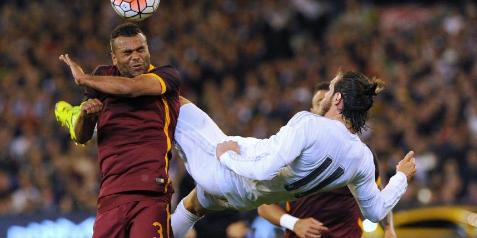 Cole en un juego con la AS Roma ante el Real Madrid Foto:AFP