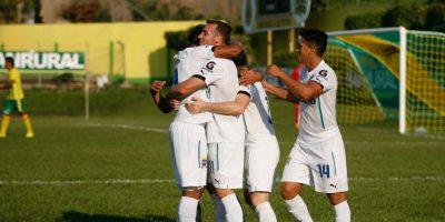 Los cremas celebraron así el gol del triunfo ante Guastatoya Foto:Comunicaciones FC