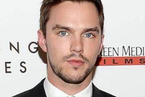 """El actor británico supo pasar hacia la adultez con buenos papeles, como en la nueva saga de """"X-Men"""". Foto:vía Getty Images"""
