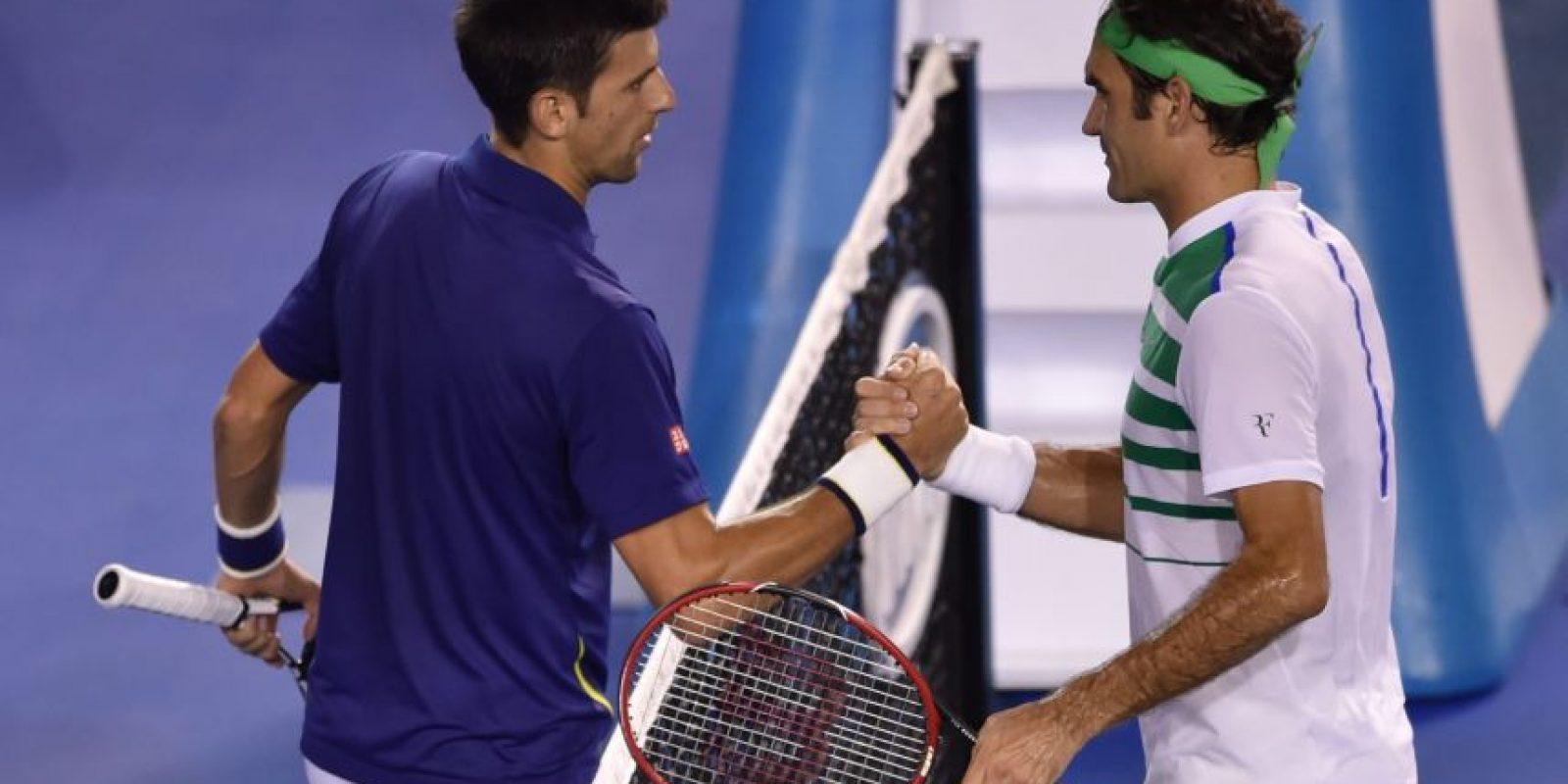 El saludo de ambos tenistas al finalizar el partido. Foto:AFP