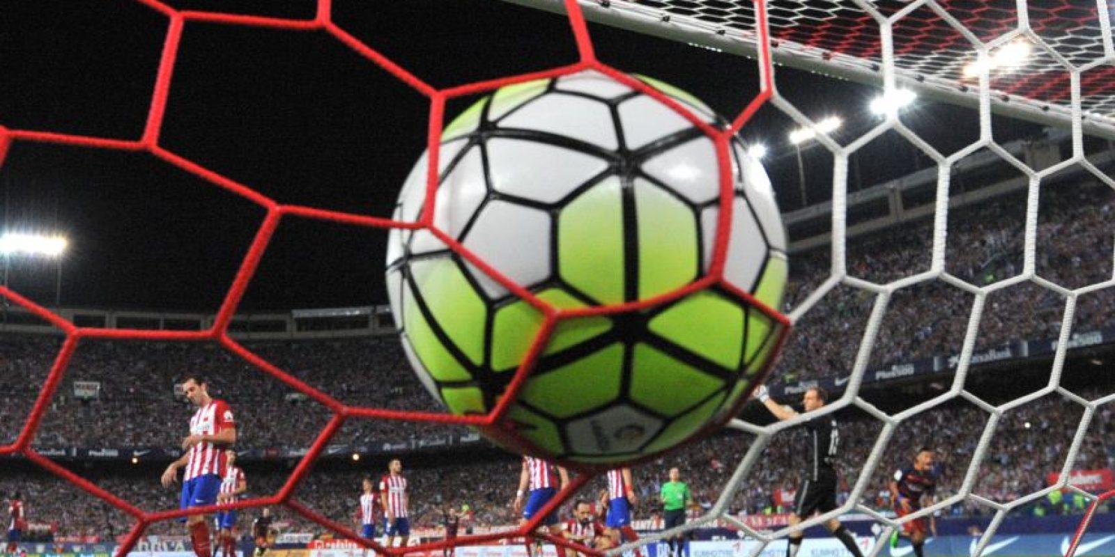 Momento en que el equipo culé marco el gol del triunfo. Foto:AFP